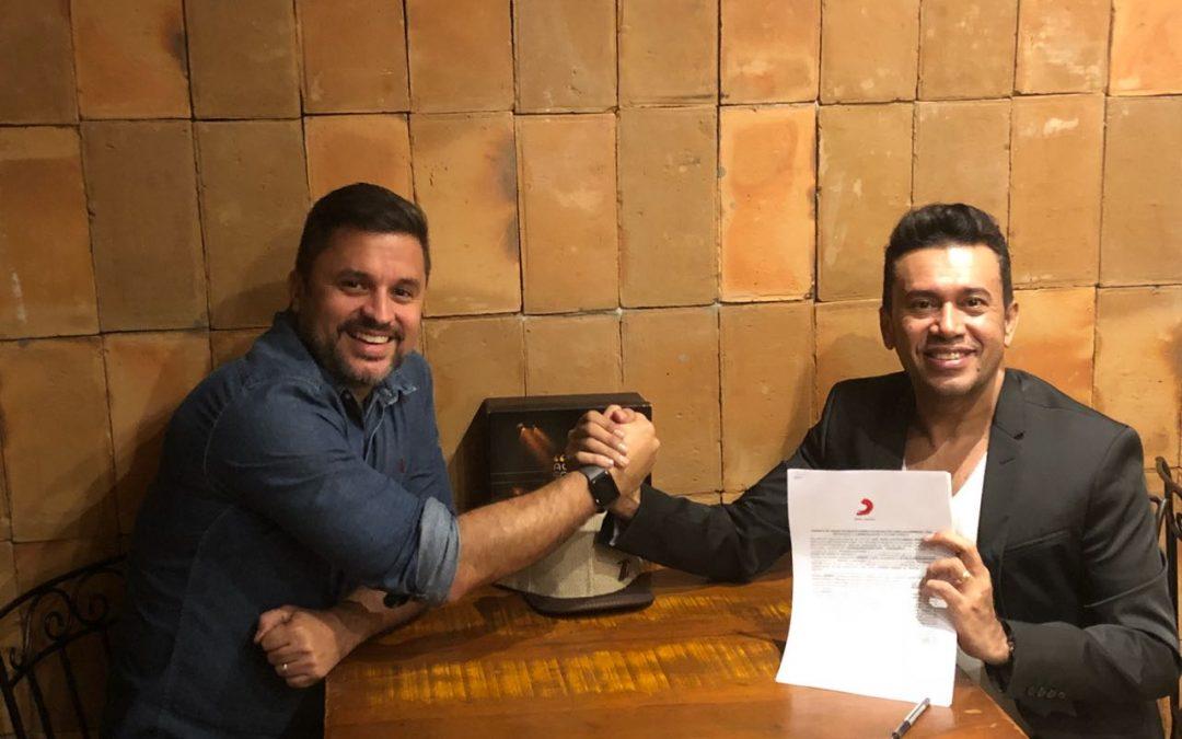 No Rio: Zé Cantor assina contrato com a Sony Music