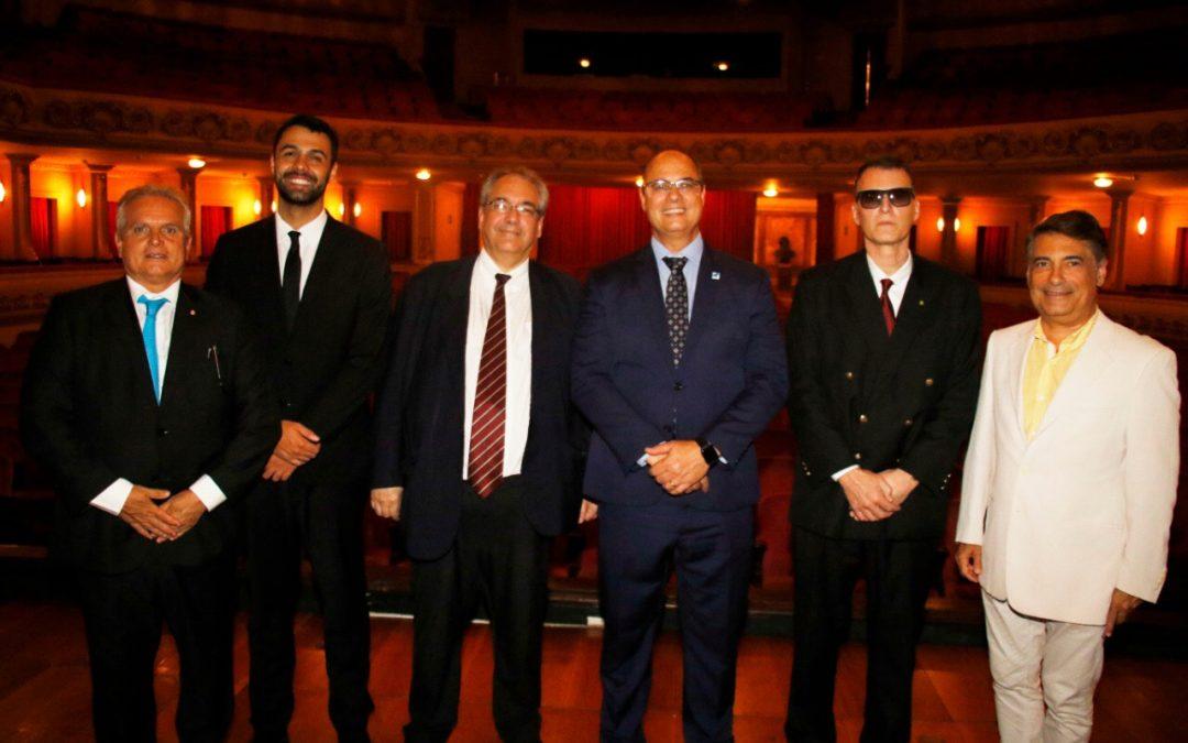 Governador visita o Theatro Municipal do Rio de Janeiro