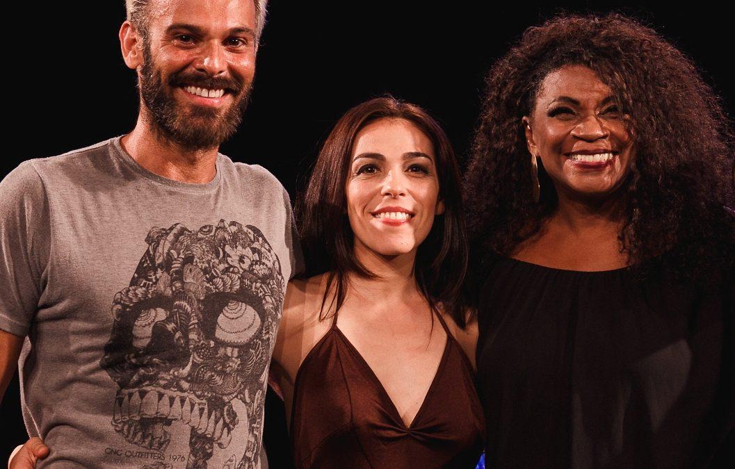 """Andrea Raw apresenta """"Dança na Varanda"""" na França Brasil"""