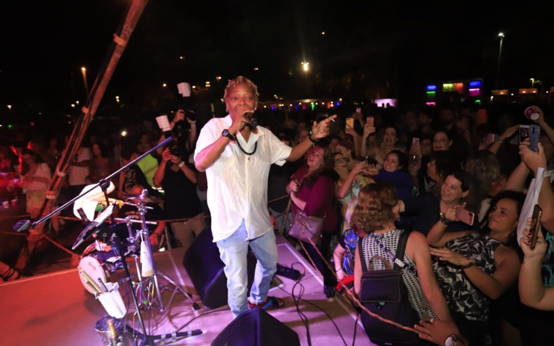 Famosos prestigiam show de Matinalia na Lagoa