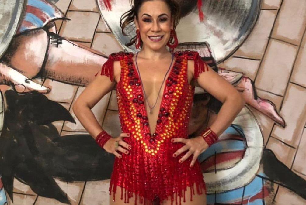 Carla Rio faz única apresentação no Rio Scenarium