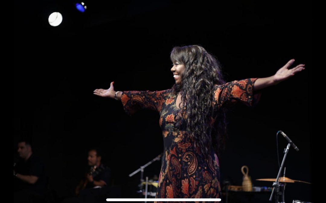 Cantora Jhusara faz a Live de São Pedro, dia 29 de junho