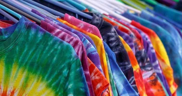 Conheça a história da cultura tie-dye – a nova tendência do mundo da moda